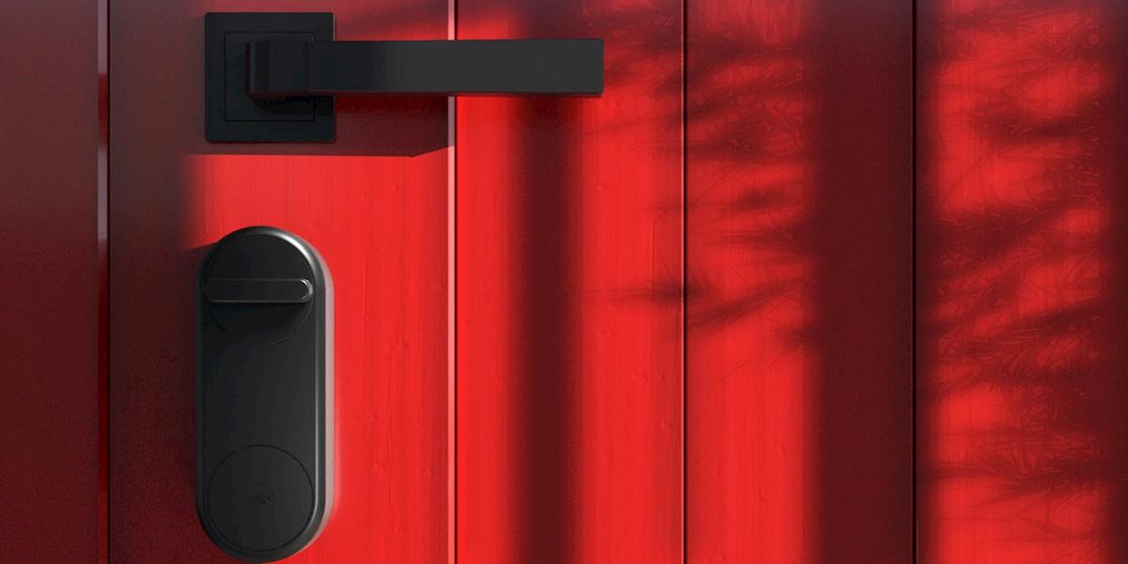 Yale presenta Linus, la serratura smart per una casa sicura thumbnail