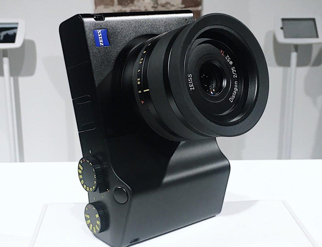 Zeiss ZX1: la fotocamera con Android integrato esiste davvero! thumbnail