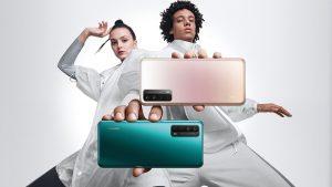 Huawei P Smart 2021 arriva in Italia  Per chi lo acquista entro il primo di novembre, in regalo le Huawei FreeBuds 3 e non solo