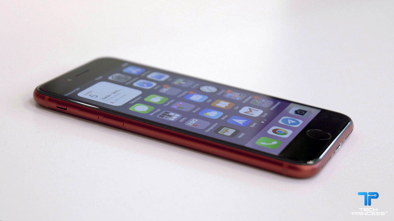iPhone SE 2020 oggi in sconto su Amazon thumbnail