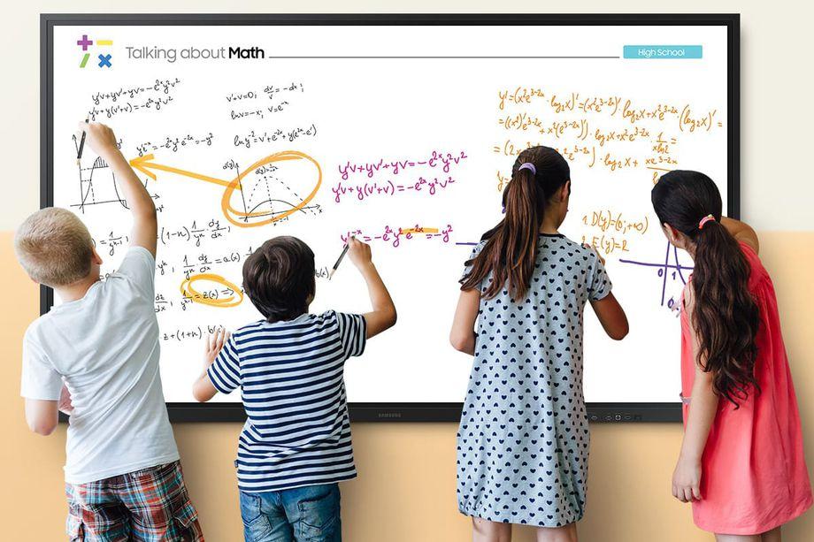 Il nuovo display interattivo di Samsung è una lavagna perfetta per la scuola thumbnail
