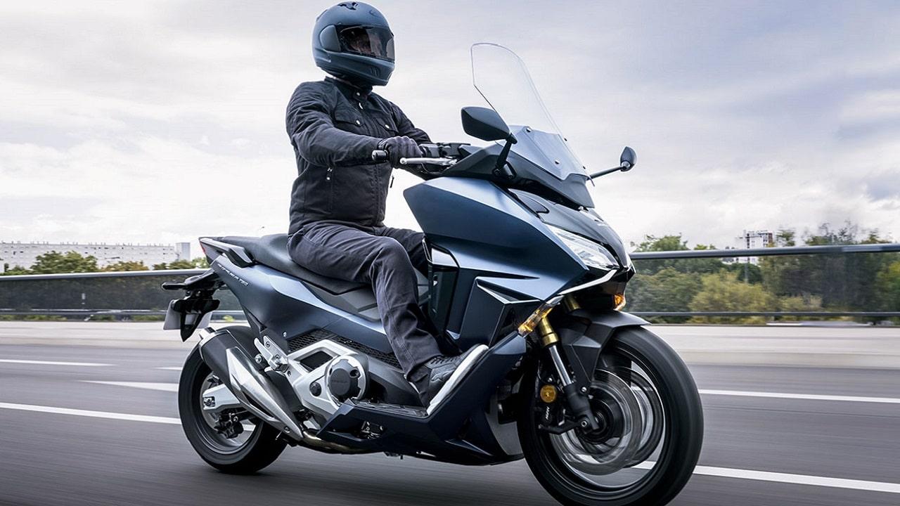 La famiglia di scooter Honda Forza si allarga per il 2021 thumbnail
