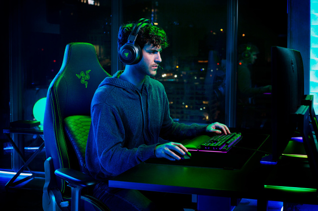 Razer presenta Iskur, la prima sedia da gaming che migliora la postura thumbnail