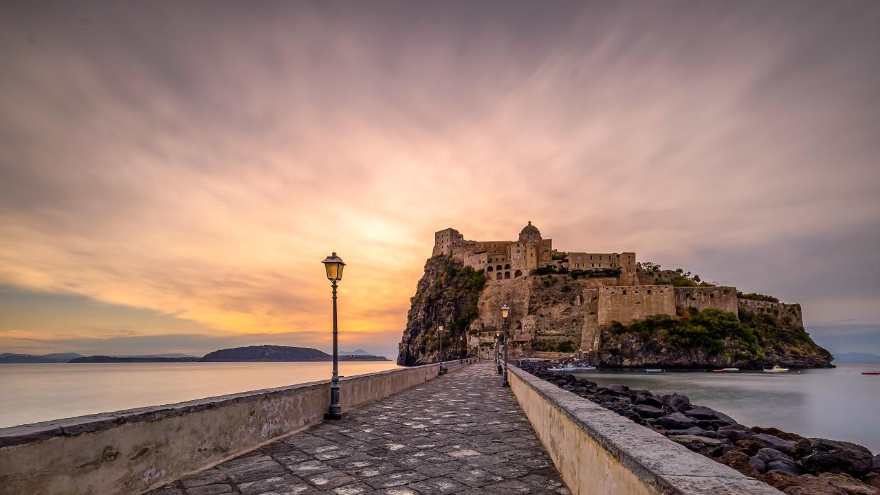 I viaggiatori italiani scelgono i viaggi in Italia per il mese di ottobre thumbnail