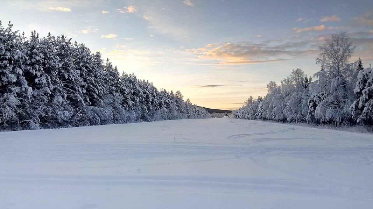Un viaggio nel profondo Nord, tra panorami spettacolari ed esperienze surreali thumbnail