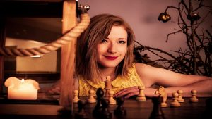 La passione per gli scacchi spopola su Twitch grazie alla Regina degli Scacchi di Netflix  La miniserie di Netflix ha incuriosito il mondo intero