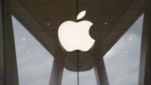Apple multata per pubblicità ingannevole: gli iPhone non sono impermeabili  La compagnia di Cupertino sanzionata con una multa di 10 milioni di Euro per pubblicità ingannevole