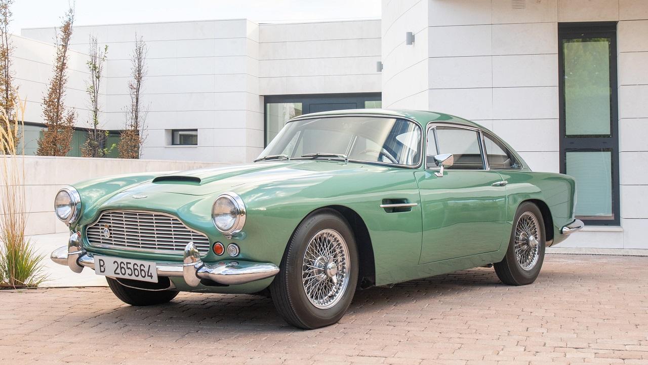 Un raro esemplare di Aston Martin DB4 è in vendita all'asta thumbnail