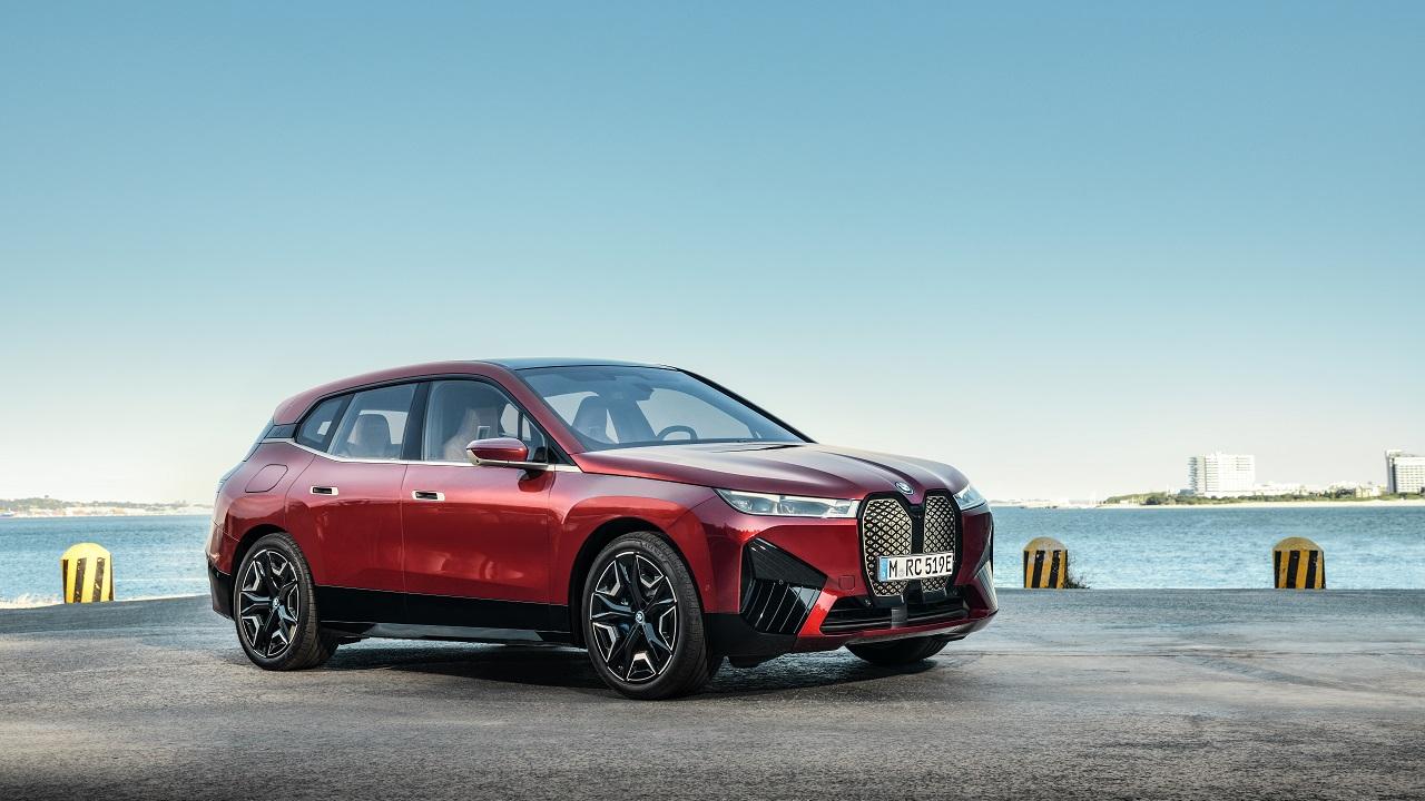 Nasce BMW iX, la prima della nuova era della Casa bavarese thumbnail