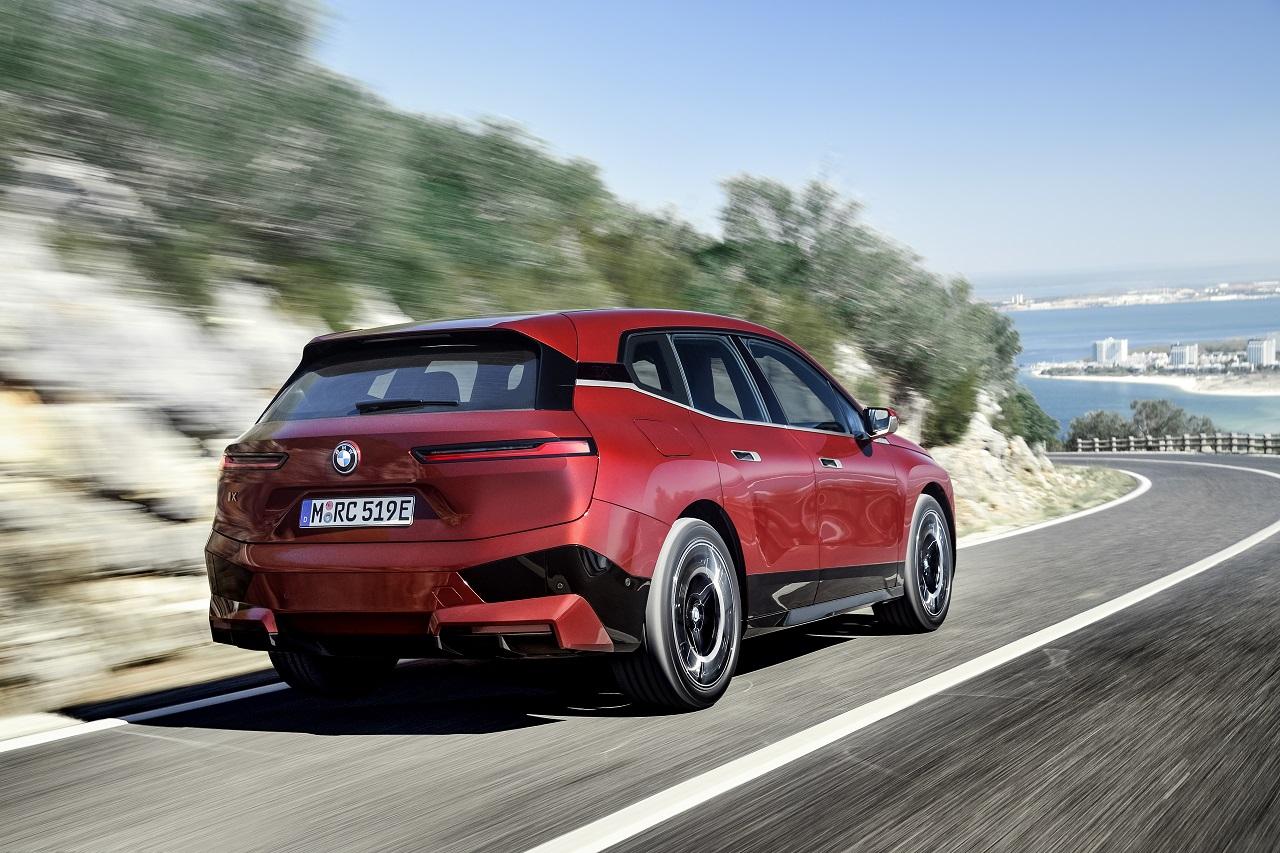 BMW iX posteriore