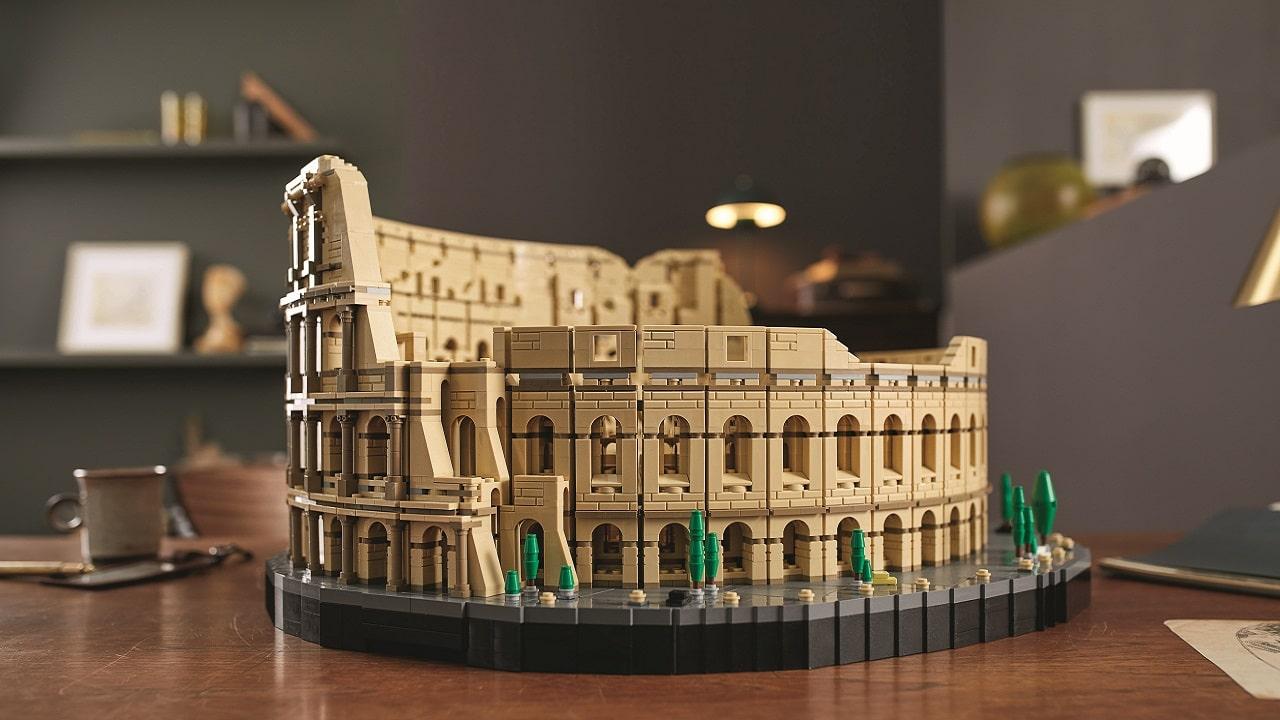 Viaggia a Roma con il nuovo Colosseo LEGO thumbnail