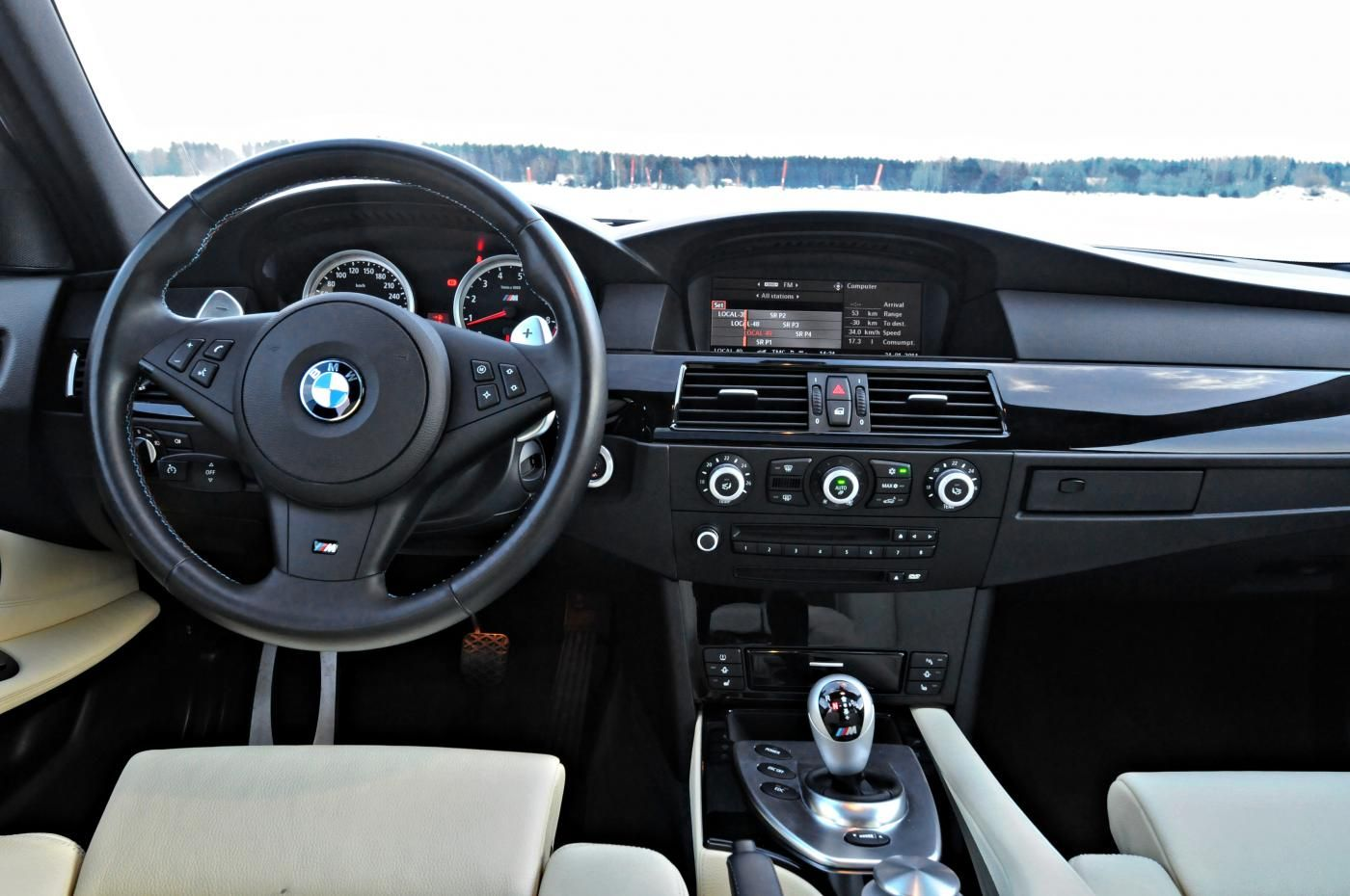Consigli acquisto auto usate interni BMW M5 E60