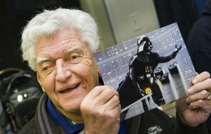 Addio a David Prowse, il primo attore ad interpretare Darth Vader  Si è spento, all'età di 85 anni, David Prowse, il primo attore che ha interpretato Darth Vader in Star Wars