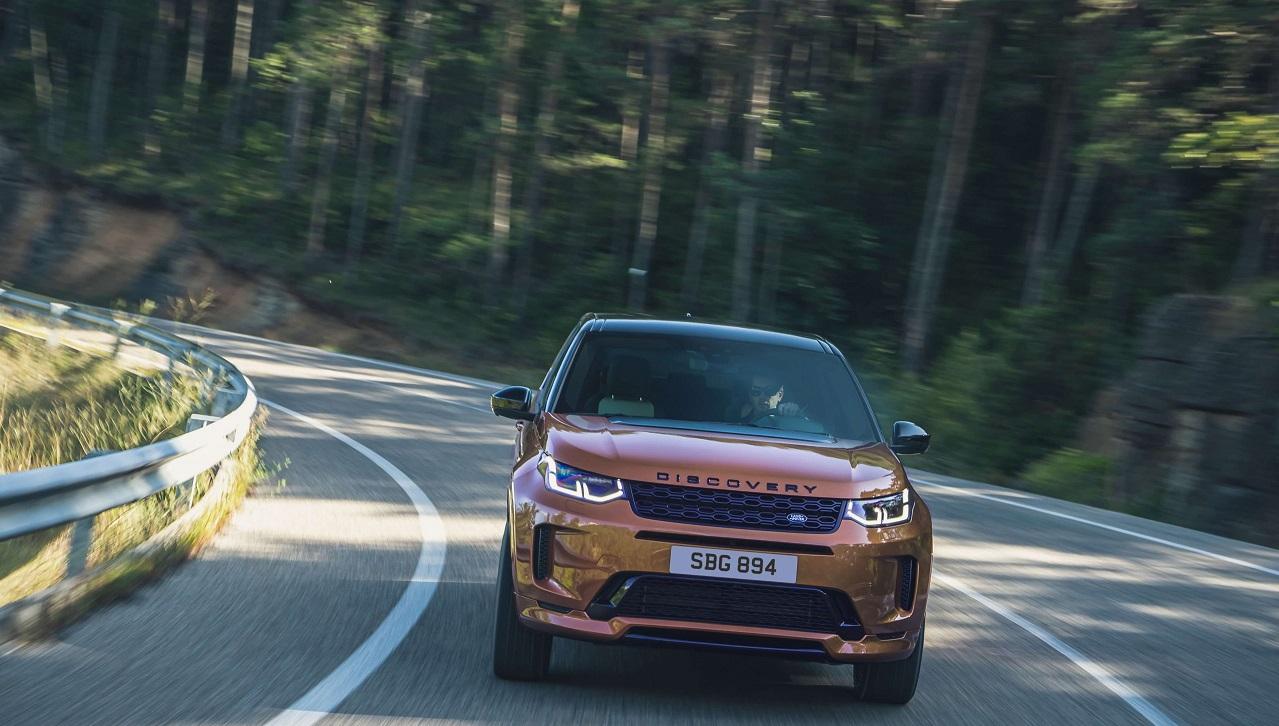 Land Rover Discovery Sport si aggiorna con tanta nuova tecnologia thumbnail