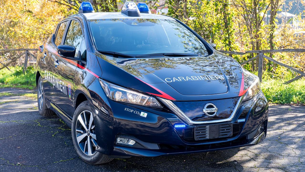 Nissan LEAF: 52 unità dell'elettrica in dotazione ai Carabinieri thumbnail
