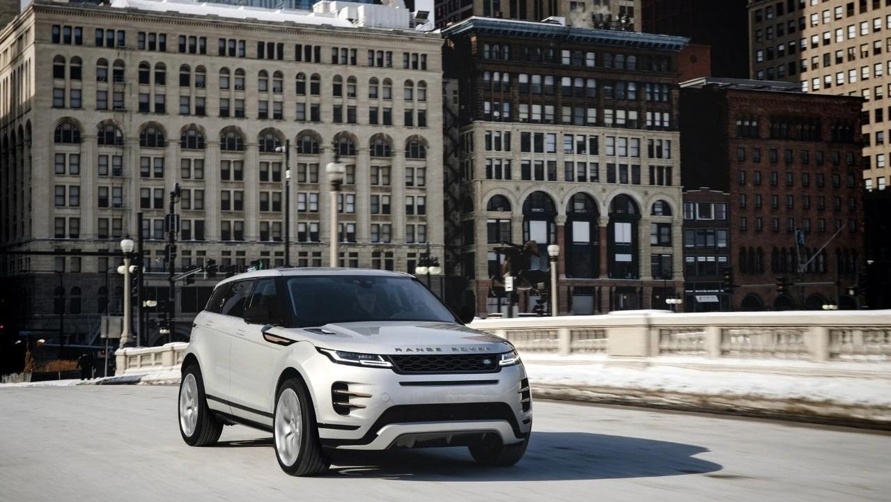 Range Rover Evoque: più tecnologia e connettività con la nuova versione thumbnail