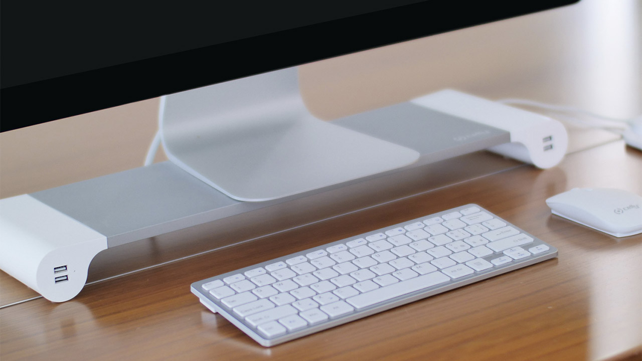 Gli accessori ideali per una scrivania ordinata thumbnail