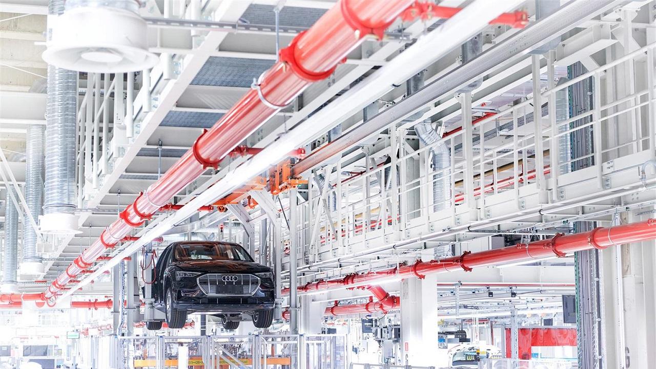 Audi svela un progetto pilota per il ciclo chiuso della plastica thumbnail