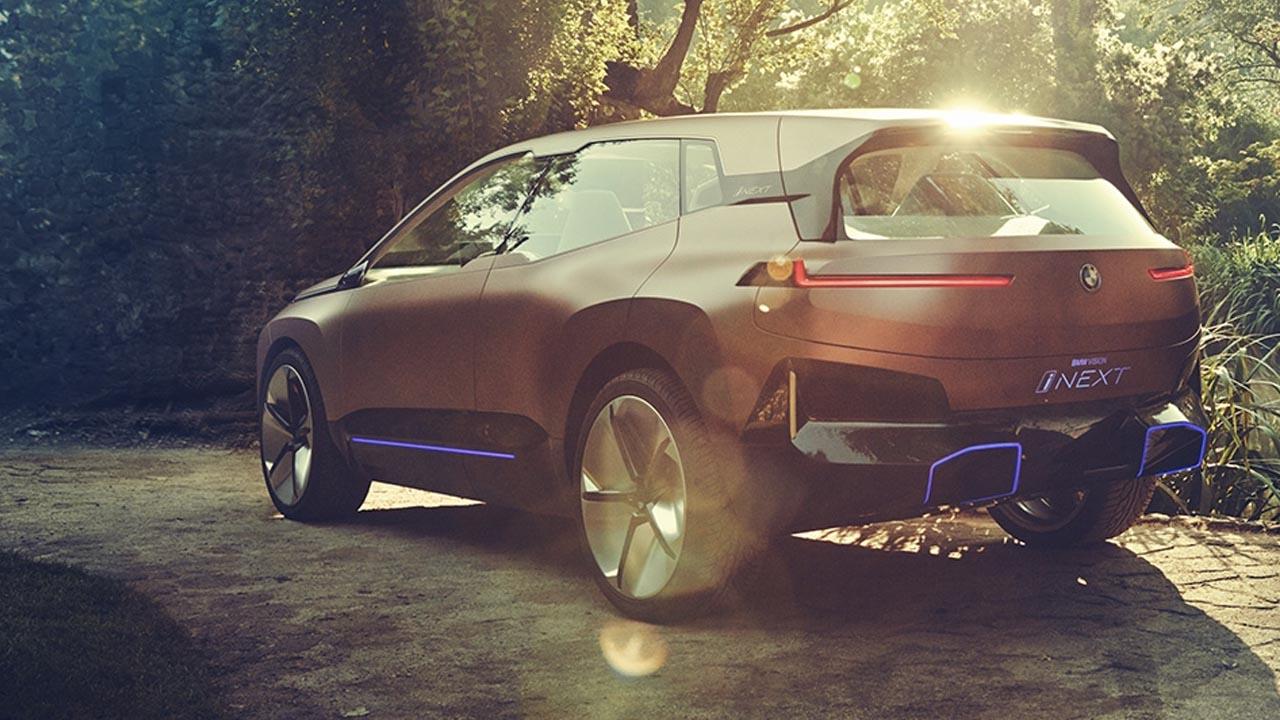 BMW iNEXT, il nuovo suv elettrico sarà svelato l'11 novembre thumbnail