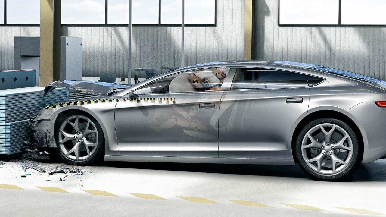 Bosch celebra i primi quarant'anni della centralina elettronica airbag per auto thumbnail