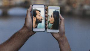 Relazioni ai tempi del Coronavirus: gli italiani dicono sì alle app  La mascherina è considerata un deterrente per il dating
