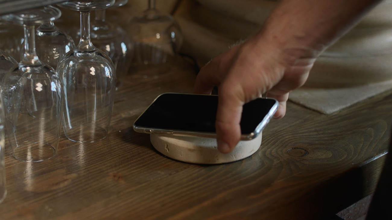 Il caricabatterie si fa sempre più elegante thumbnail