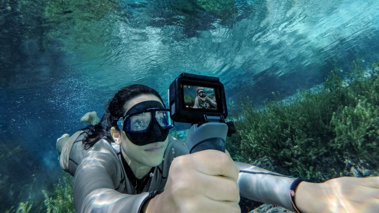 GoPro e PADI si preparano al primo #UnderwaterSelfieDay thumbnail