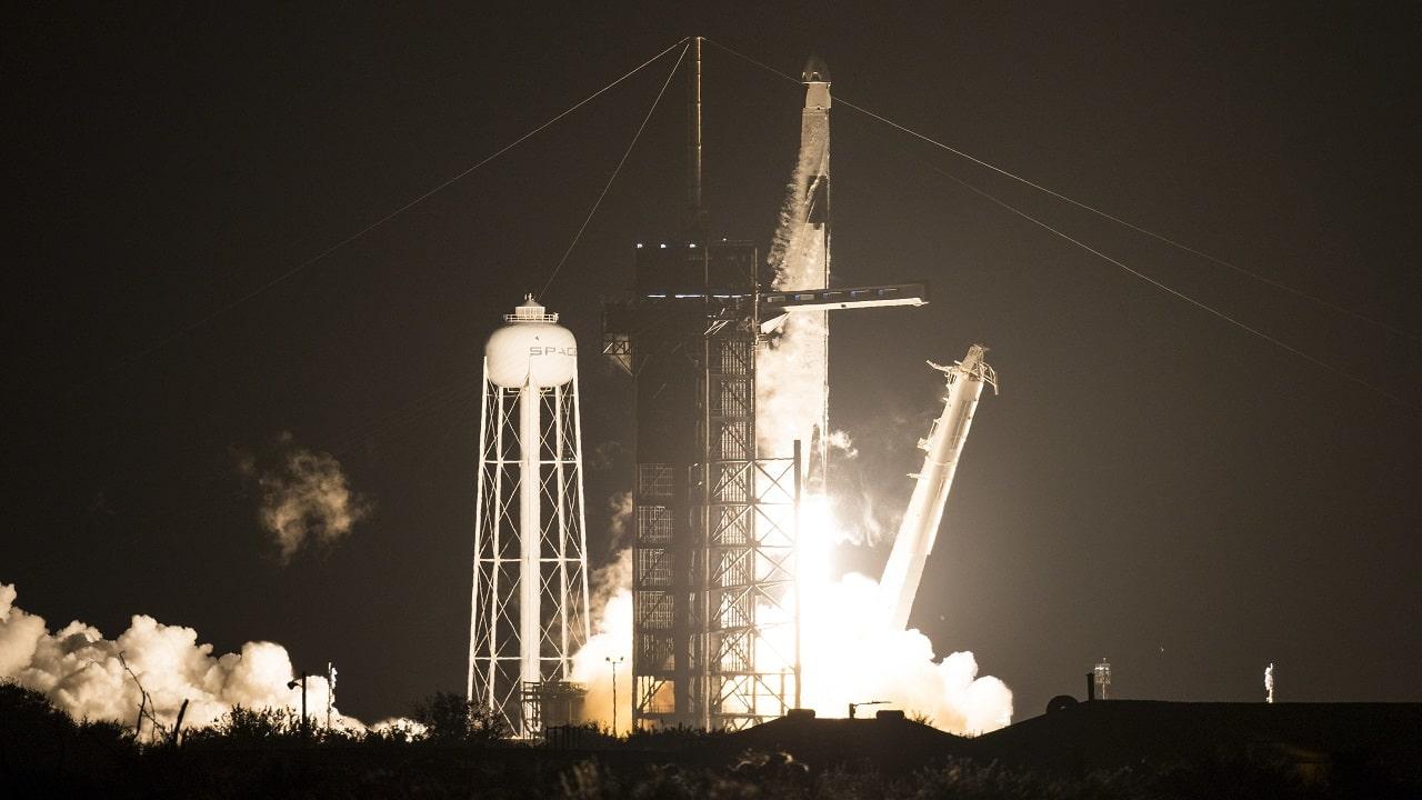 SpaceX lancia altri quattro astronauti verso la Stazione Spaziale Internazionale thumbnail