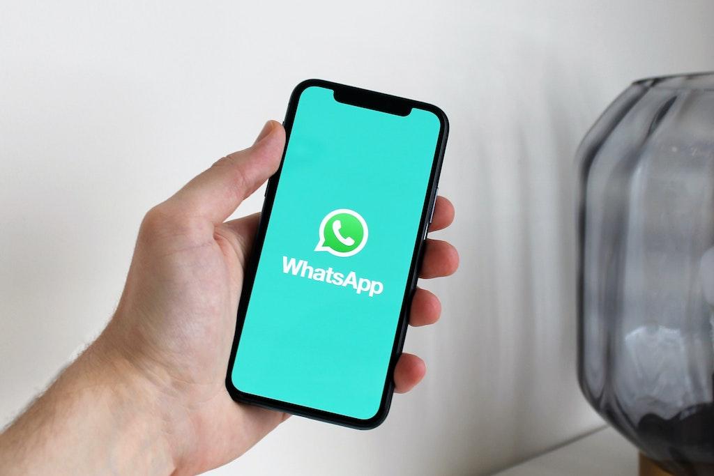 """WhatsApp, la """"Modalità vacanza"""" mantiene le chat in archivio thumbnail"""