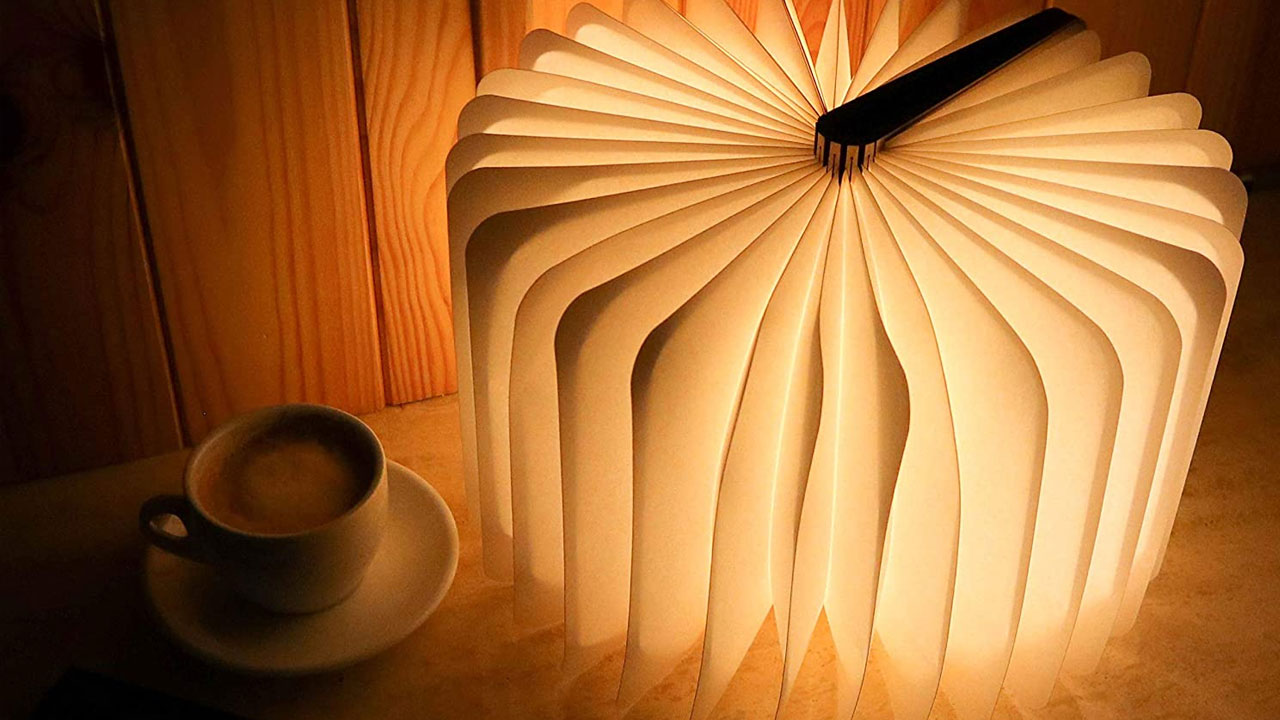 regali di natale economici lampada libro