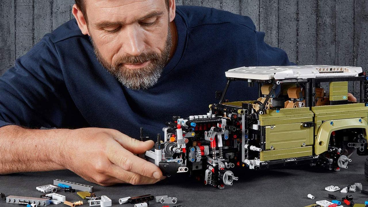 regali di natale per lui LEGO Technic Land Rover