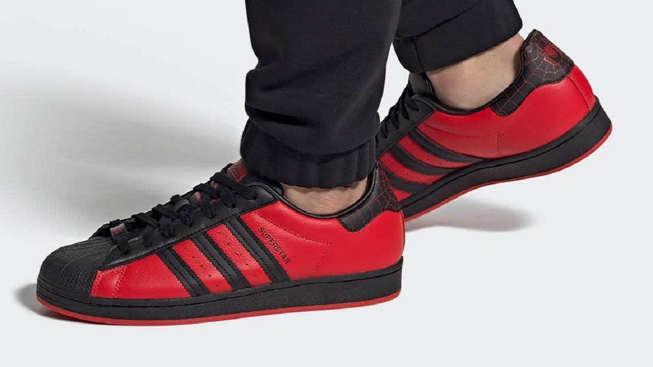 Adidas e Sony unite per creare le scarpe di Spider-Man thumbnail