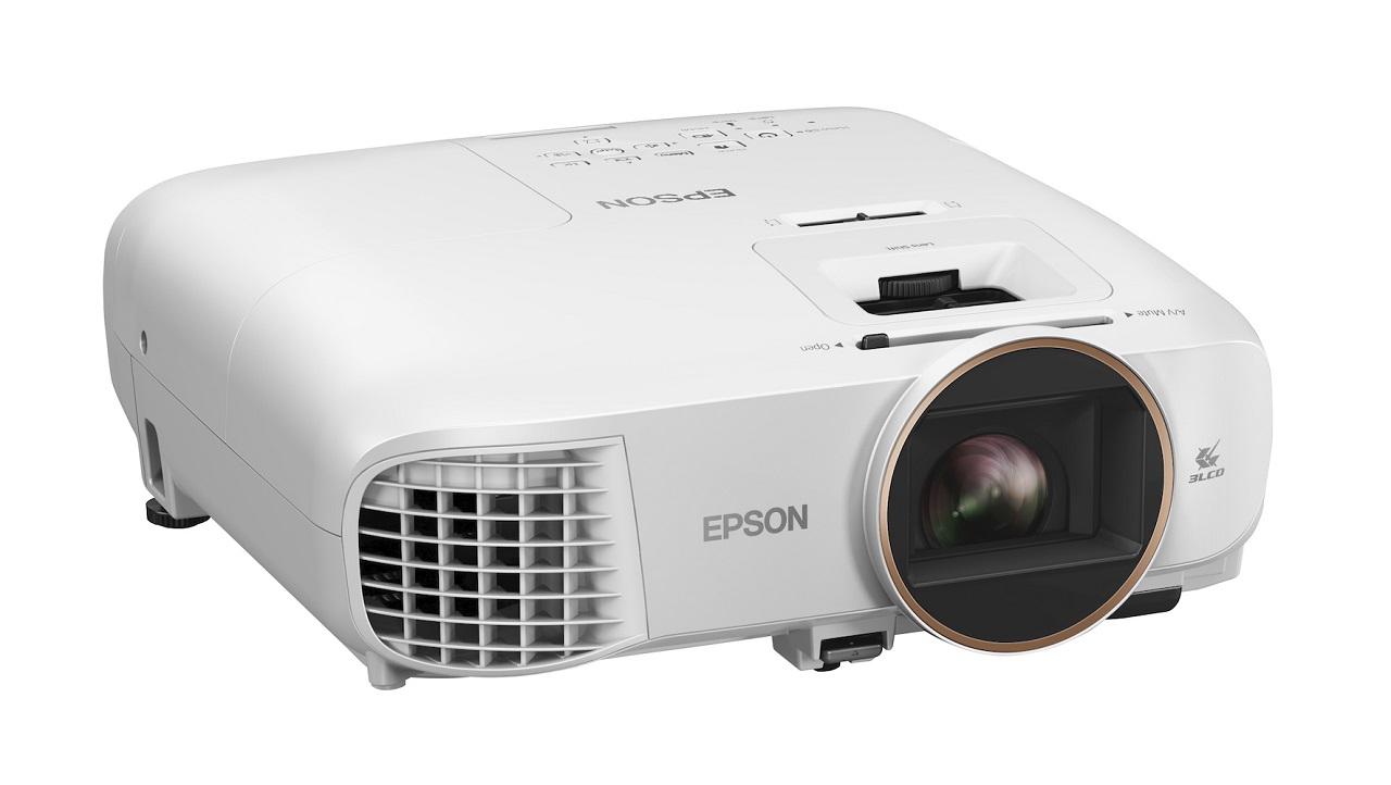 Epson presenta la nuova gamma di videoproiettori thumbnail