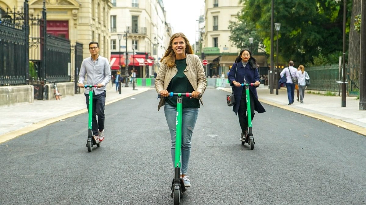 Bolt-by-Taxify-Scooters-in-Paris-3-min