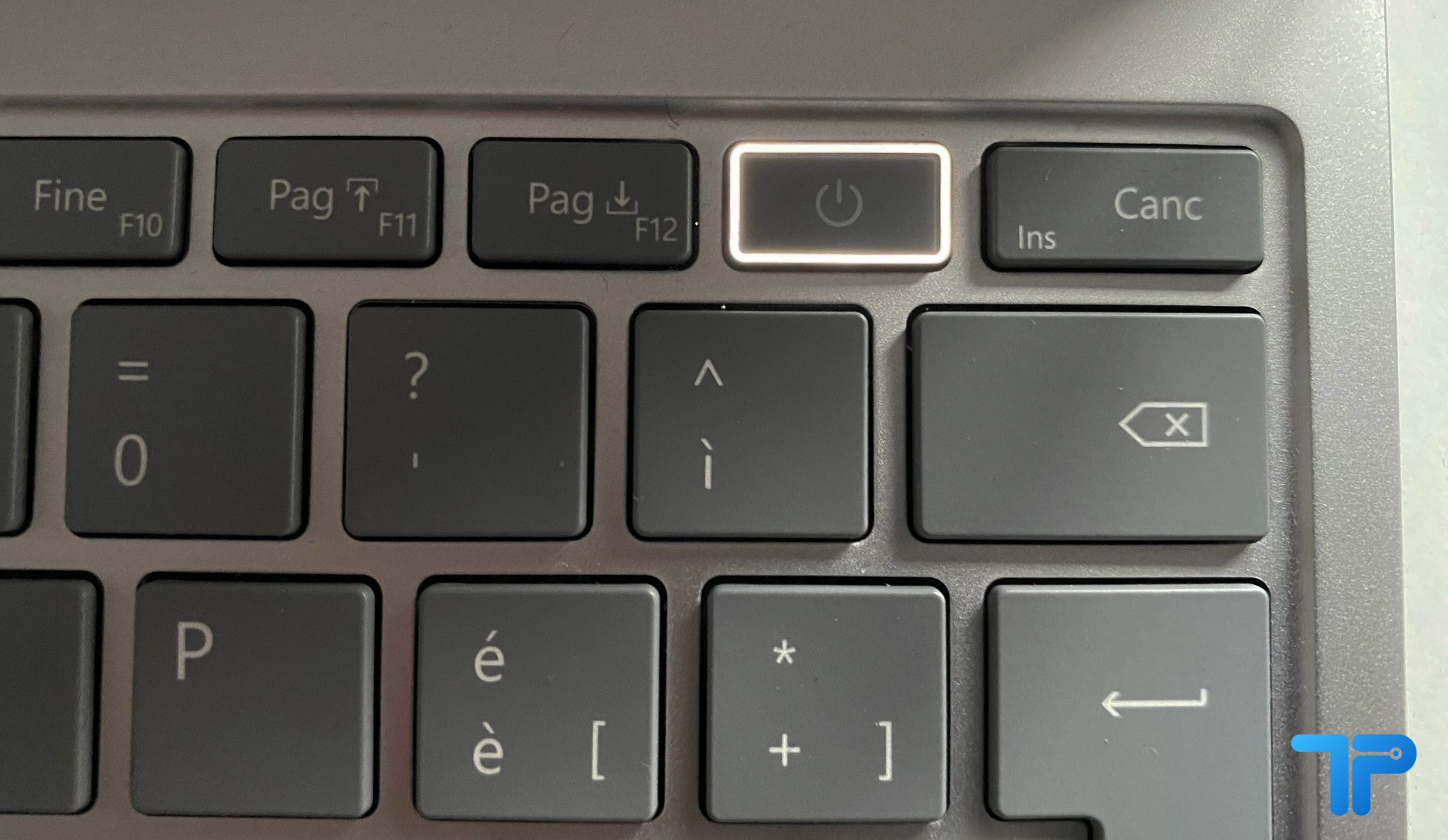 Microsoft Surface laptop go recensione lettore d'impronte