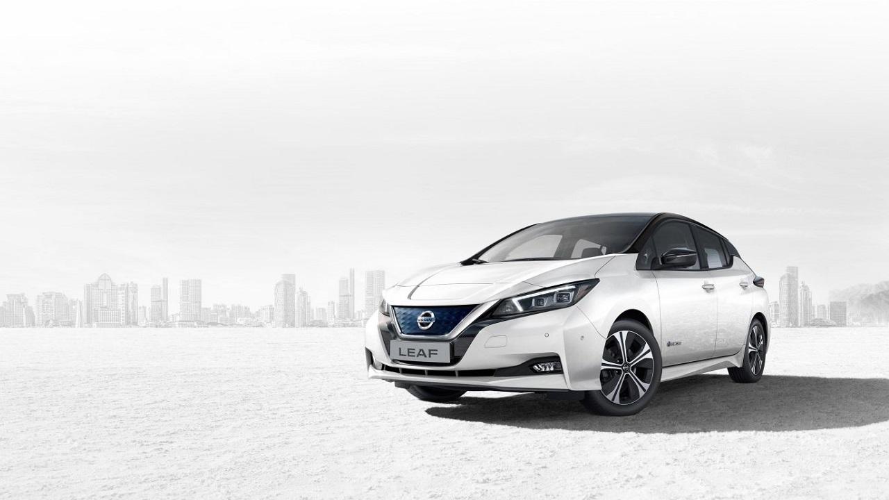 Nissan LEAF: l'elettrica nipponica compie dieci anni thumbnail