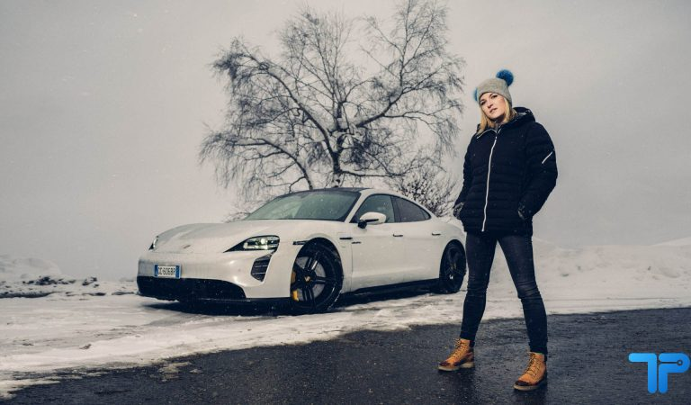 Porsche Taycan Turbo S: la supercar elettrica che mette i brividi