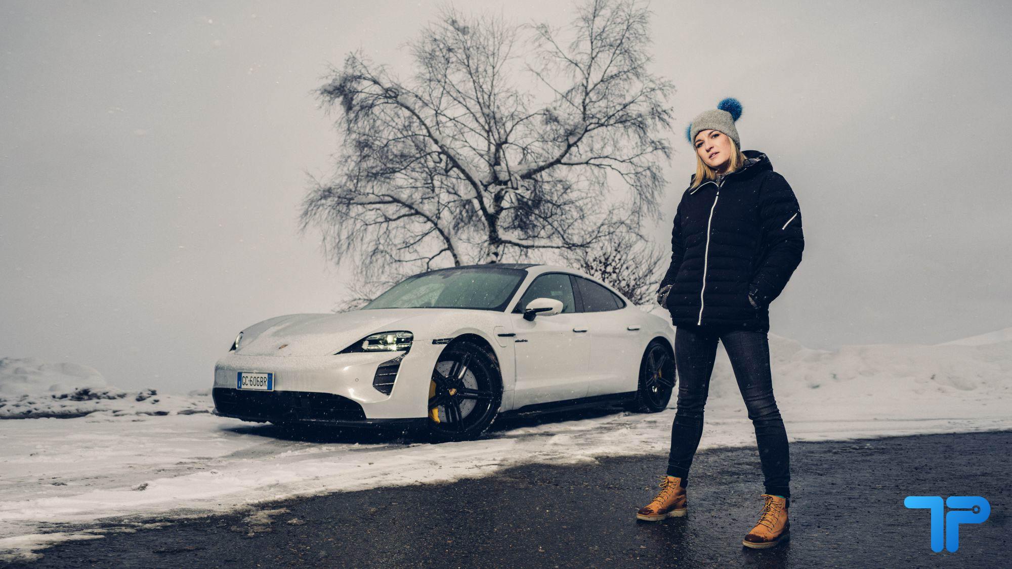 Porsche Taycan Turbo S: la supercar elettrica che mette i brividi thumbnail