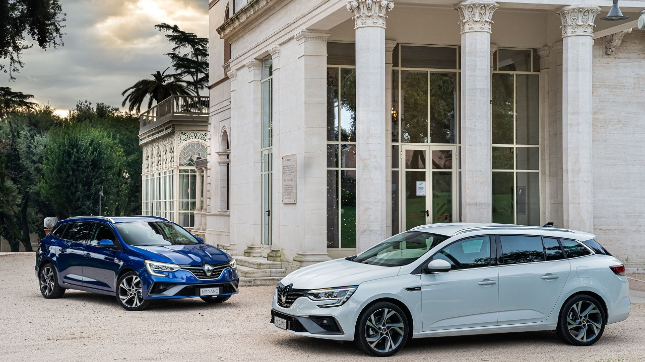 Renault Megane Sporter E-TECH, l'ibrida per famiglie e business thumbnail