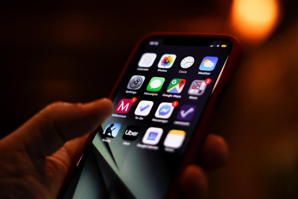 Apple ottimizza l'interfaccia utenti degli iPhone per i non vedenti thumbnail