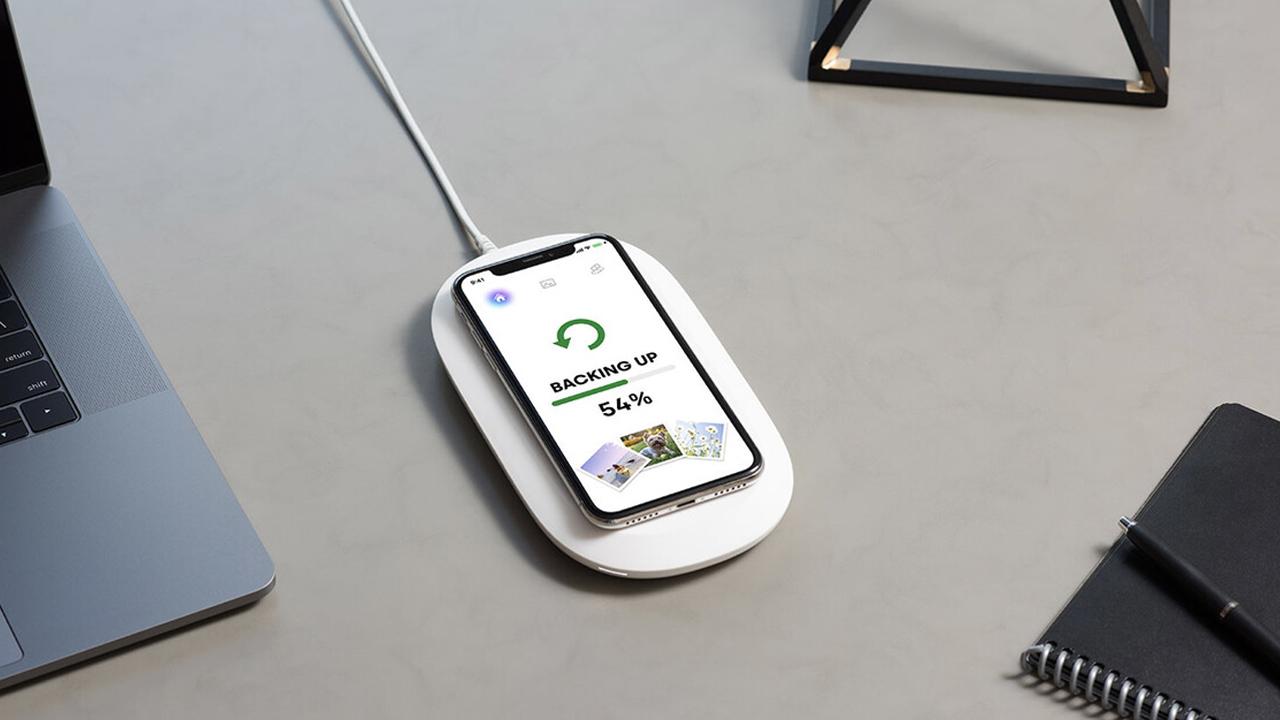 caricabatterie wireless backup sandisk