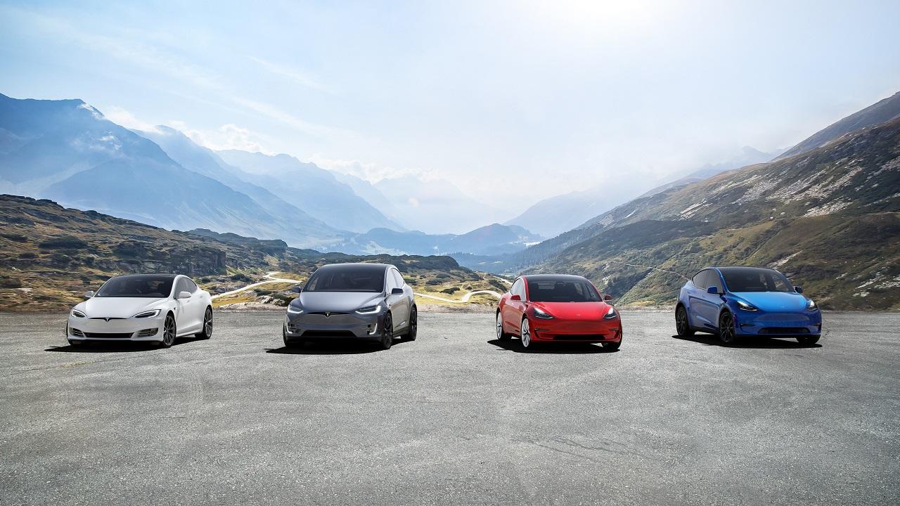 Tesla: giochi e guidi. Una perfetta personalizzazione da nerd thumbnail