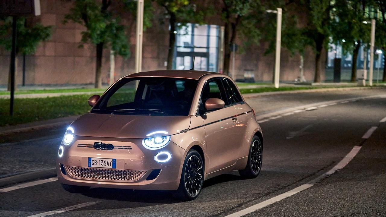 Auto dell'Anno 2021, ecco le 7 finaliste: c'è anche FIAT 500e thumbnail
