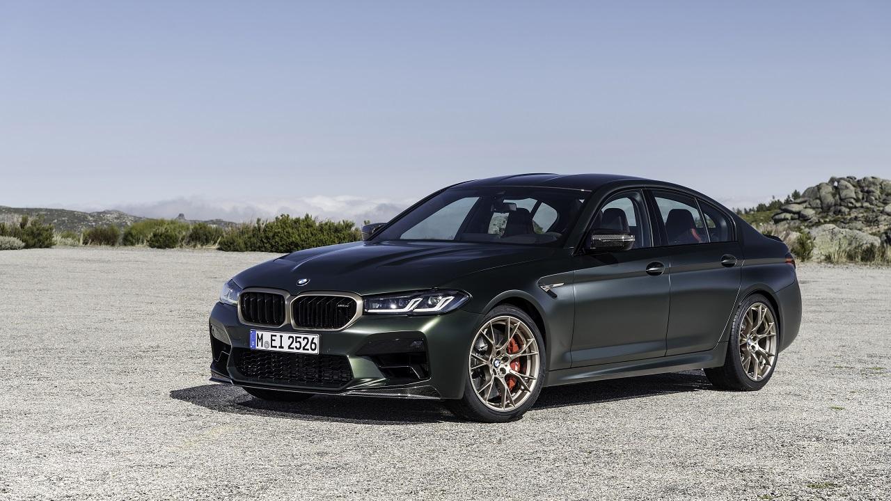 BMW M5 CS, la berlina fa sul serio: 635 CV per la M più potente di sempre thumbnail