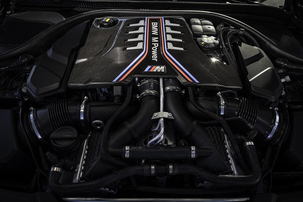 Il motore 4.4 V8 biturbo di BMW M5 CS