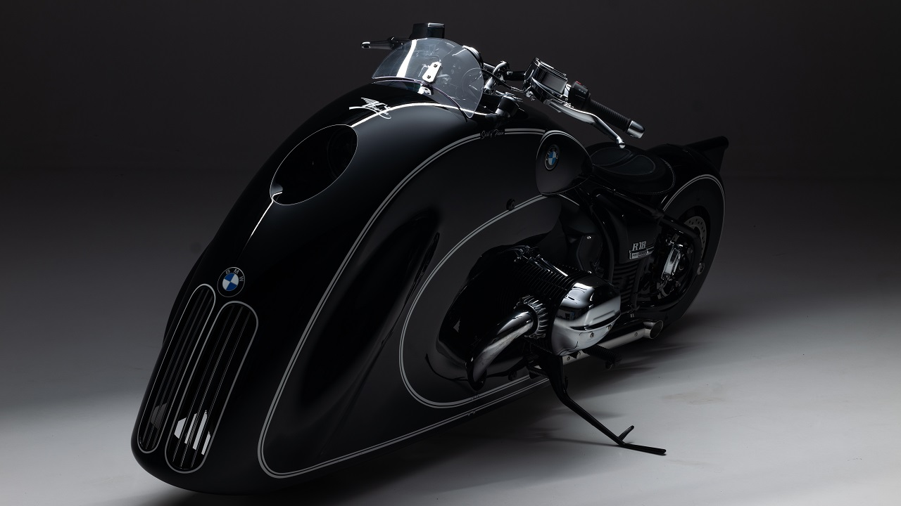 BMW Motorrad svela ufficialmente la nuova R 18 custom thumbnail