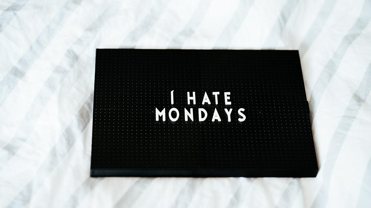 Blue Monday: come viene definito il lunedì in giro per il mondo thumbnail