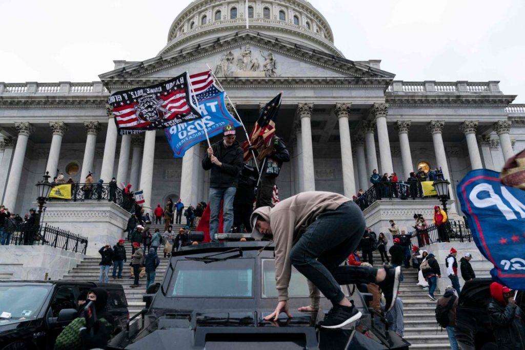 Capitol Hill attacco QAnon