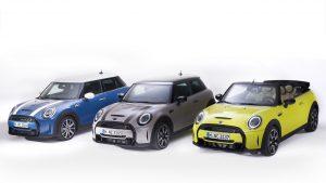 MINI, restyling di metà carriera per 3 Porte, 5 Porte e Cabrio  MINI restyling 2021: per 3 e 5 Porte e Cabrio nuovo look e più tecnologia