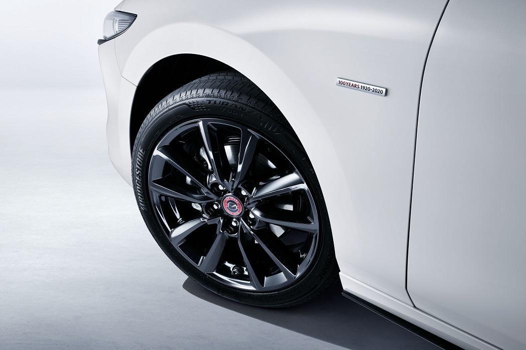 Dettaglio dell'allestimento 100th Anniversary di Mazda 3 2021
